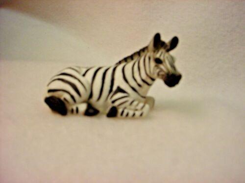 ZEBRA Figurine ANIMAL resin HAND PAINTED MINIATURE Small Mini COLLECTIBLE Zoo