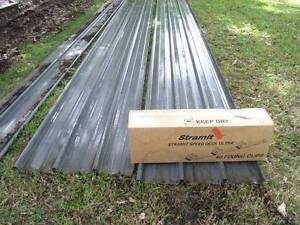 Roofing, Stramit Speedeck 2 x 5.7mts plus box of clips Kurmond Hawkesbury Area Preview