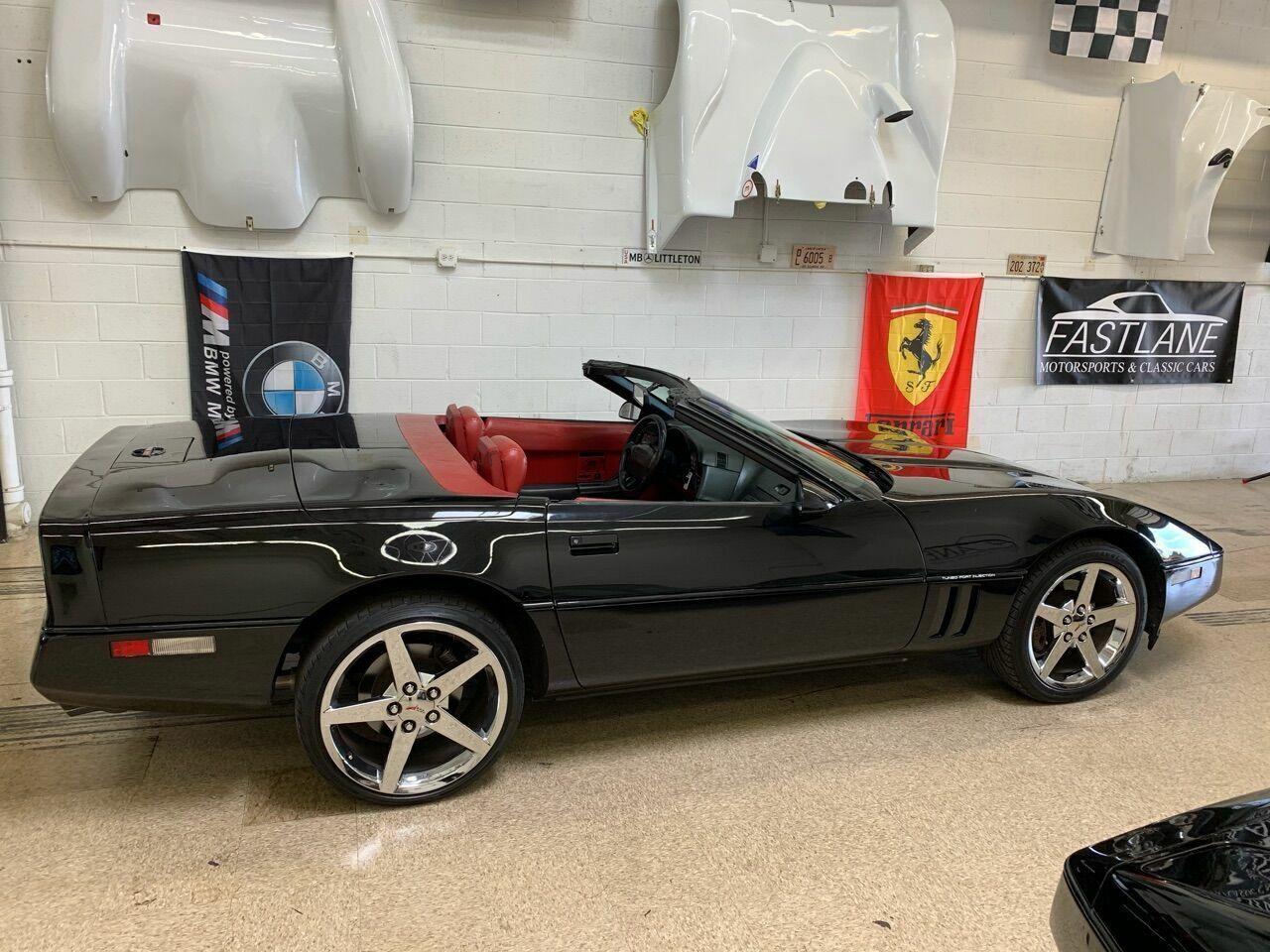 1990 Black Chevrolet Corvette Convertible    C4 Corvette Photo 6