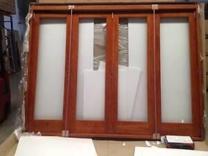 Bi Fold Doors, Stacker Doors, Solid Cedar, Fully Built, 4 Panel Vineyard Hawkesbury Area Preview