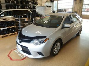 2014 Toyota Corolla LE Great gas mileage!