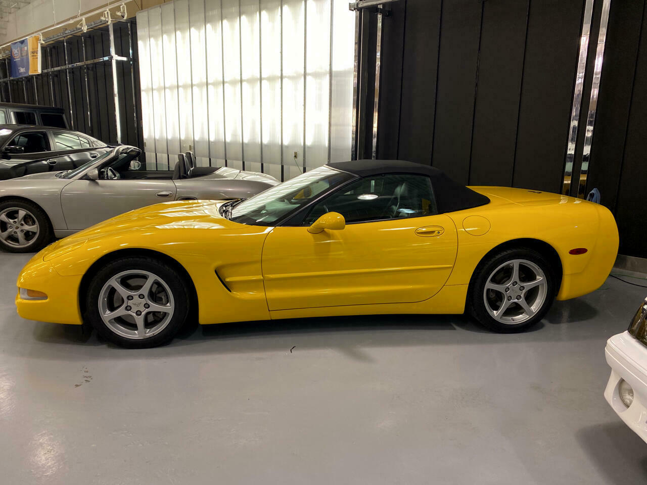 2002 Yellow Chevrolet Corvette Convertible  | C5 Corvette Photo 5