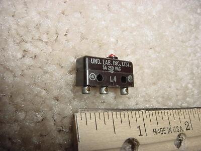 Honeywell Sub Miniature 5 Amp Pin Plunger Micro Switch