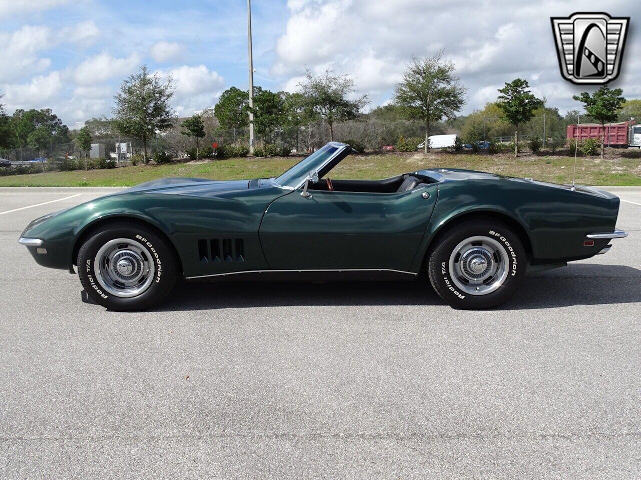 1968 Green Chevrolet Corvette   | C3 Corvette Photo 6