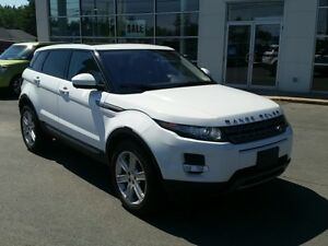 2014 Land Rover Range Rover Evoque Pure Plus 4X4. Navigation....