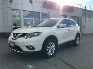 2015 Nissan Rogue SV AWD  $140 BI WEEKLY An AWD that is well equ