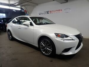 2015 Lexus IS 250 AWD Groupe Luxe / Luxury (Valeur de $7400)