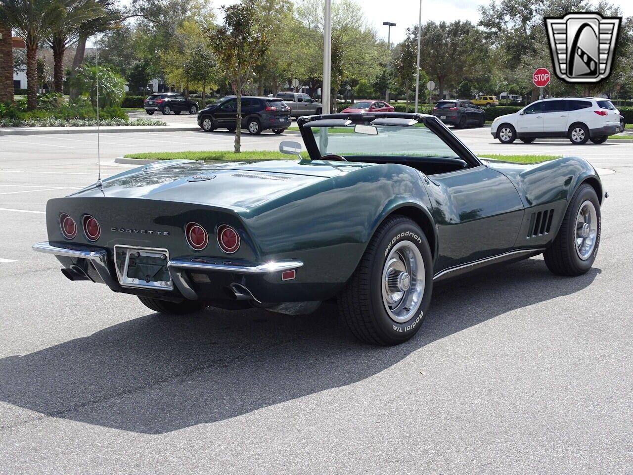 1968 Green Chevrolet Corvette   | C3 Corvette Photo 9