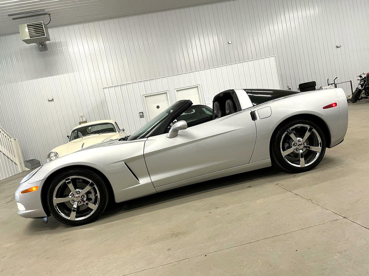 2010 Silver Chevrolet Corvette   | C6 Corvette Photo 4