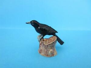 NEW-SPRING-2013-AMAZING-BLACK-BIRD-CROW-STANDING-ON-STUMP-FIGURINE-MINT