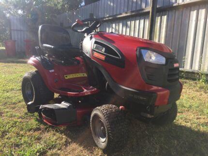 Craftsman YT3000 Ride On Mower
