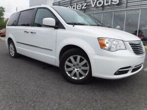 2014 Chrysler Town & Country TOURING**GPS**SUNROOF**BACKUP CAMER