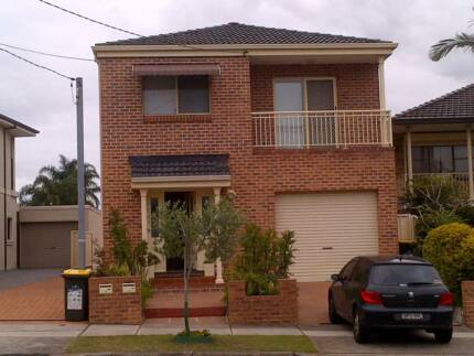 Single bedroom available in Eastlakes only 250 per week Eastlakes Botany Bay Area Preview