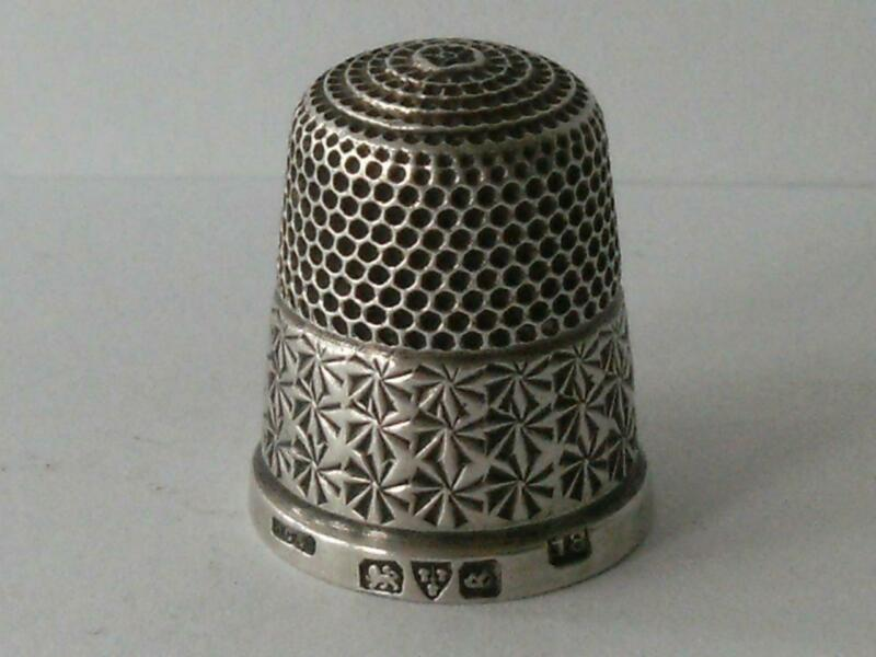 SOLID SILVER THIMBLE Chester 1927