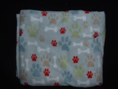 GRAY FLEECE  BLANKET  DOG BONES AND PAW PRINTS 50X60