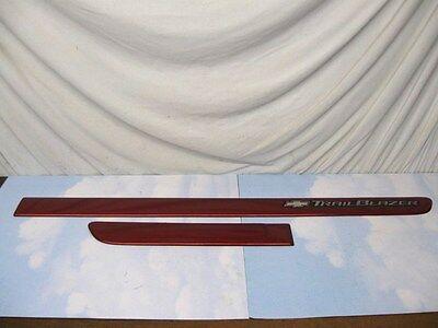 CHEVROLET TRAILBLAZER PASS FNT/REAR DOOR IMPACT MOULDING SET RED MET 02 - 2004