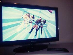 "Samsung LCD flat screen HD TV 1080 p 32"""