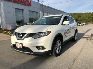 2015 Nissan Rogue SV AWD    $160 BI WEEKLY AWD SUV with low km!