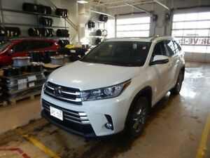 2017 Toyota Highlander Limited LOADED LUXURY