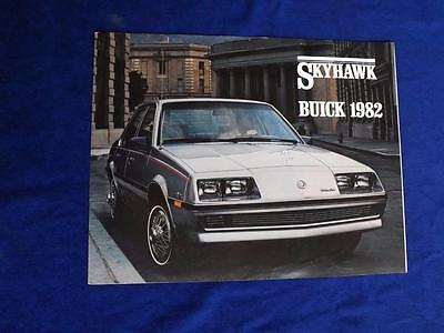 Buick Skyhawk Car - 1982 BUICK SKYHAWK SALES BROCHURE SEDAN COUPE CAR FEATURES BUYERS GUIDE FACTS