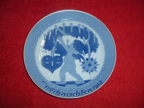 """ROSENTHAL  1913 Christmas Plate, 8"""", Mint, Original Issue with holes for hanging"""