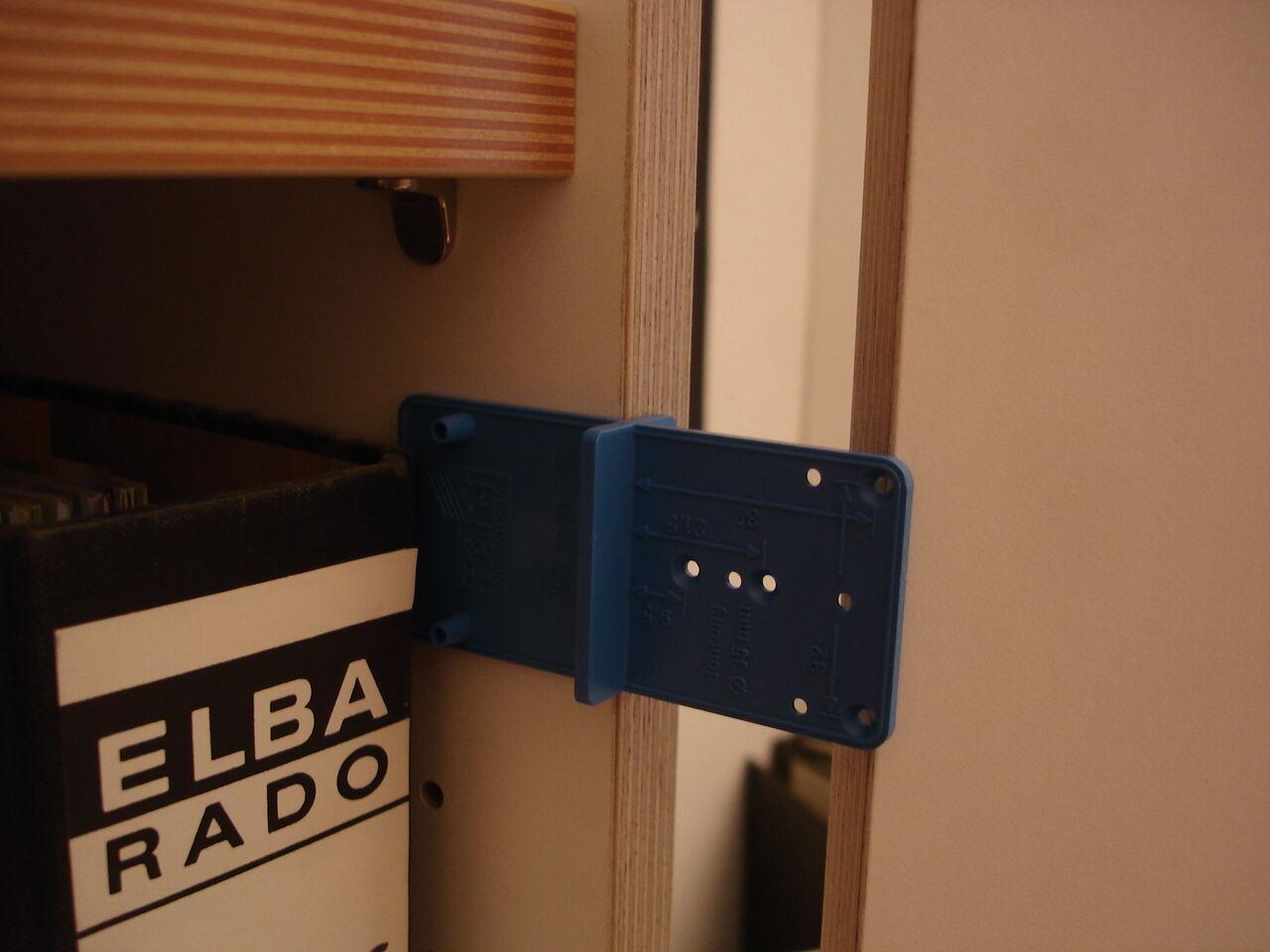 hettich bohrlehre multi blue f montageplatten scharniere. Black Bedroom Furniture Sets. Home Design Ideas