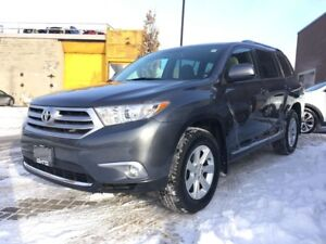 2012 Toyota Highlander 4WD - NEW ARRIVAL!!! NO ACCIDENTS!!!