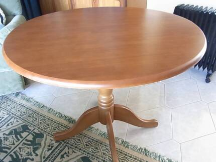 Round Dining Table Bomaderry Nowra-Bomaderry Preview