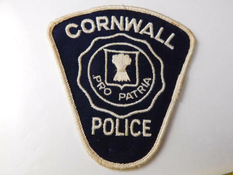 CORNWALL POLICE VINTAGE PATCH BADGE ONTARIO CITY CANADA COLLECTOR