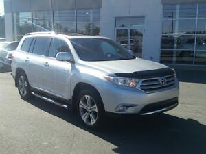 2013 Toyota Highlander Limites AWD. Nav. Leather. Low kms.