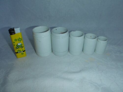 5x Porcelain jars of lotion, cream. Pharmacy / pharmaceutical jars .