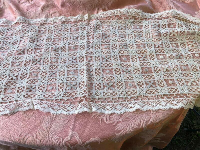 Beautiful 100% Linen Antique Bobbin Lace Runner