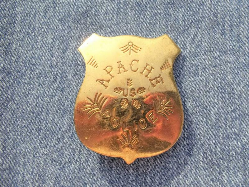 BRASS APACHE US POLICE BADGE SHIELD PIN PINBACK OLD WEST WESTERN LAWMAN