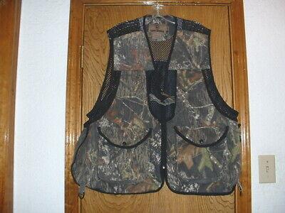 d04fcd7397fe9 Game Winner Mossy Oak Hunting Vest w/Game Pouch XL/2XL