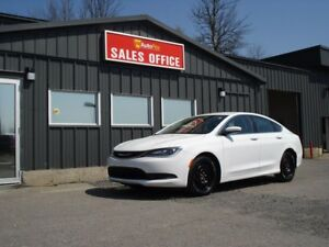 2015 Chrysler 200 LX ONLY 42000 Kms