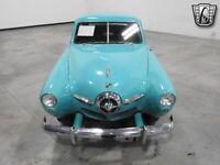 Miniature 3 Coche Americano de época Studebaker Champion 1950