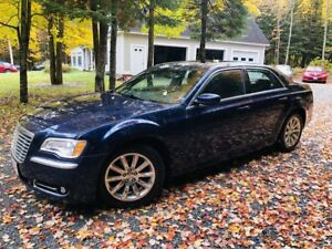 2013 Chrysler 300 Leather,V6, Sunroof, Loaded $55.Wk.