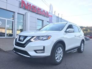 2017 Nissan Rogue SV Moonroof AWD NEARLY NEW!