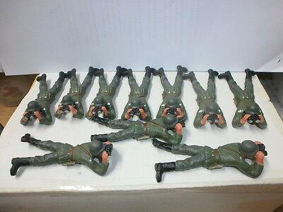 Konvolut 10 alte Elastolin Kunststoff Soldaten Wehrmacht mit Fernglas zu 7.5cm