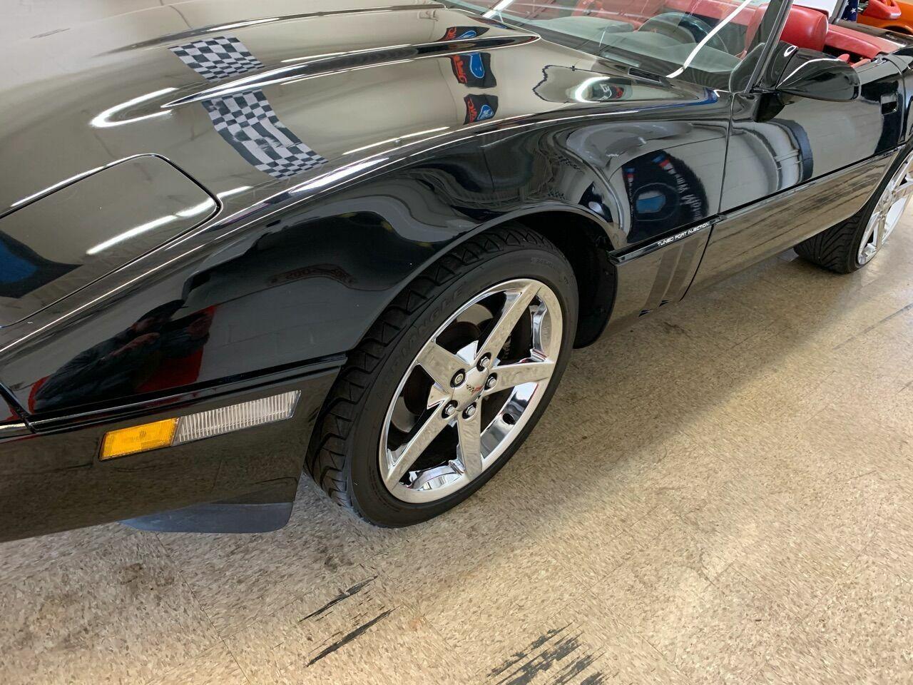 1990 Black Chevrolet Corvette Convertible    C4 Corvette Photo 10