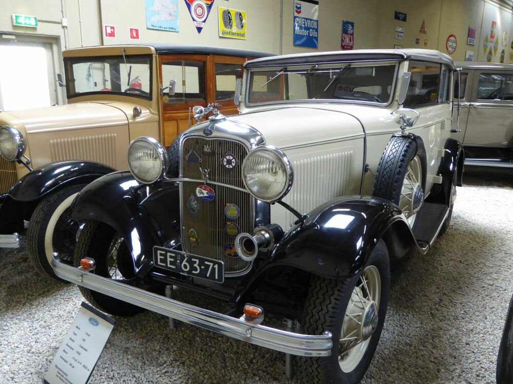 Ford 68 Cabriolet 1932