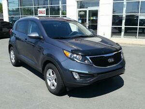 2015 Kia Sportage LX Auto. Heated seats, air. New tires.