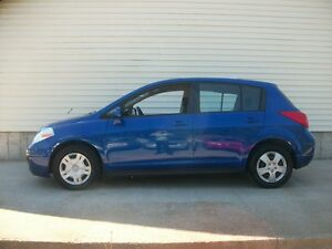 2012 Nissan Versa NICE LITTLE HATCHBACK