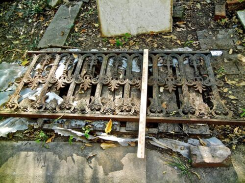 Antique Iron fence  panel Victorian Ornate 1880  with  handsome ornate detail