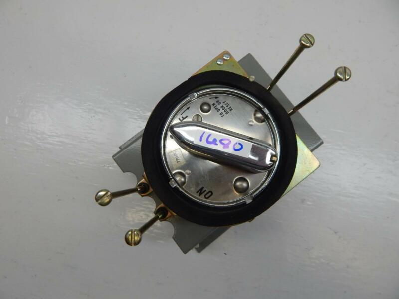Rotary Door Switch With Lock Out Mechanism