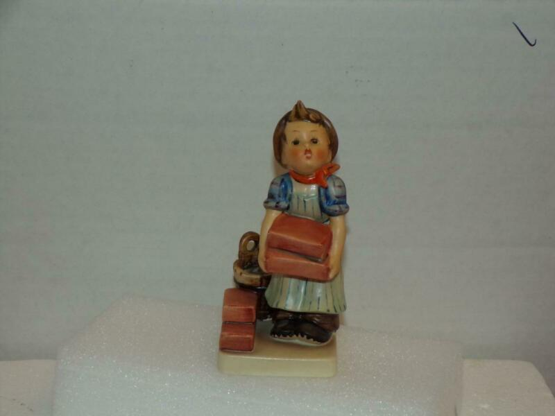 HUM 305 ~ The Builder ~ TMK 4 GOEBEL M.I. HUMMEL FIGURINE ~ MINT