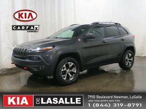 2015 Jeep Cherokee Trailhawk // Techno Pack // Towing Pack // Na