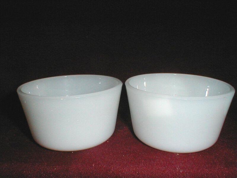 2 McKee GLASBAKE White Milk Glass 6 oz Custard Cups Bowls Ramekins