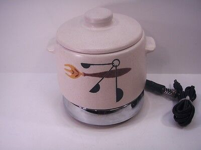 VINTAGE WEST BEND BEAN CROCK/POT WITH LID & HEAT RITE HOT PLATE RETRO!