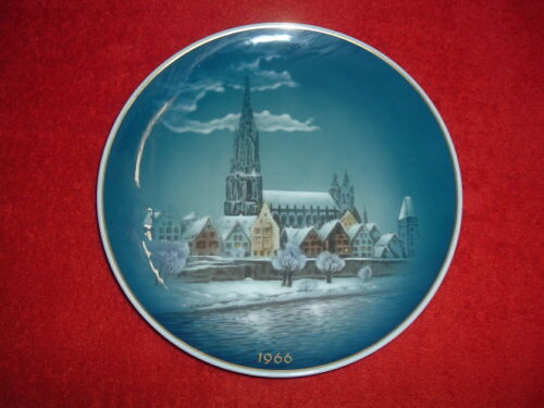 "ROSENTHAL  1966 Christmas Plate, 8 3/4"", Mint"
